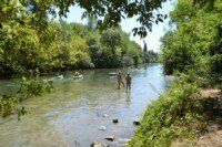 Accès à la rivière depuis le camping