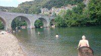La plage et le pont de la Frigoulette